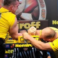 Nemiroff 2009 - Day 2 - Right hand # Armwrestling # Armpower.net